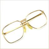 レンズの無い金のメガネ